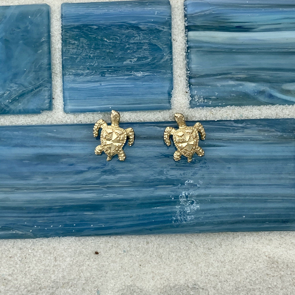 14k Yellow Gold Small Diamond Cut Turtle Post Earrings - DePaulas