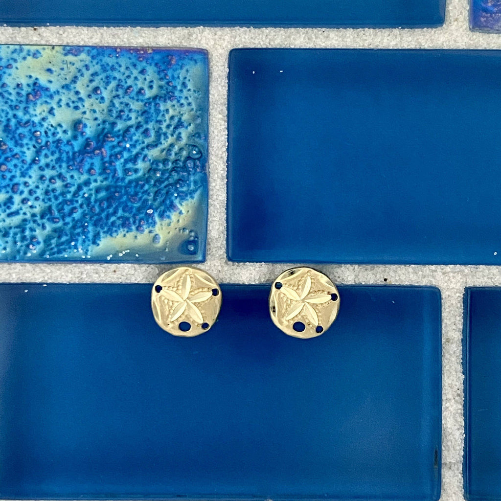 14k Yellow Gold XS Sand Dollar Post Earrings