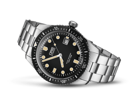 Oris 65 Divers Sixty-Five Black Stainless Steel Watch 	01 733 7720 4054-07 8 21 18 - DePaulas