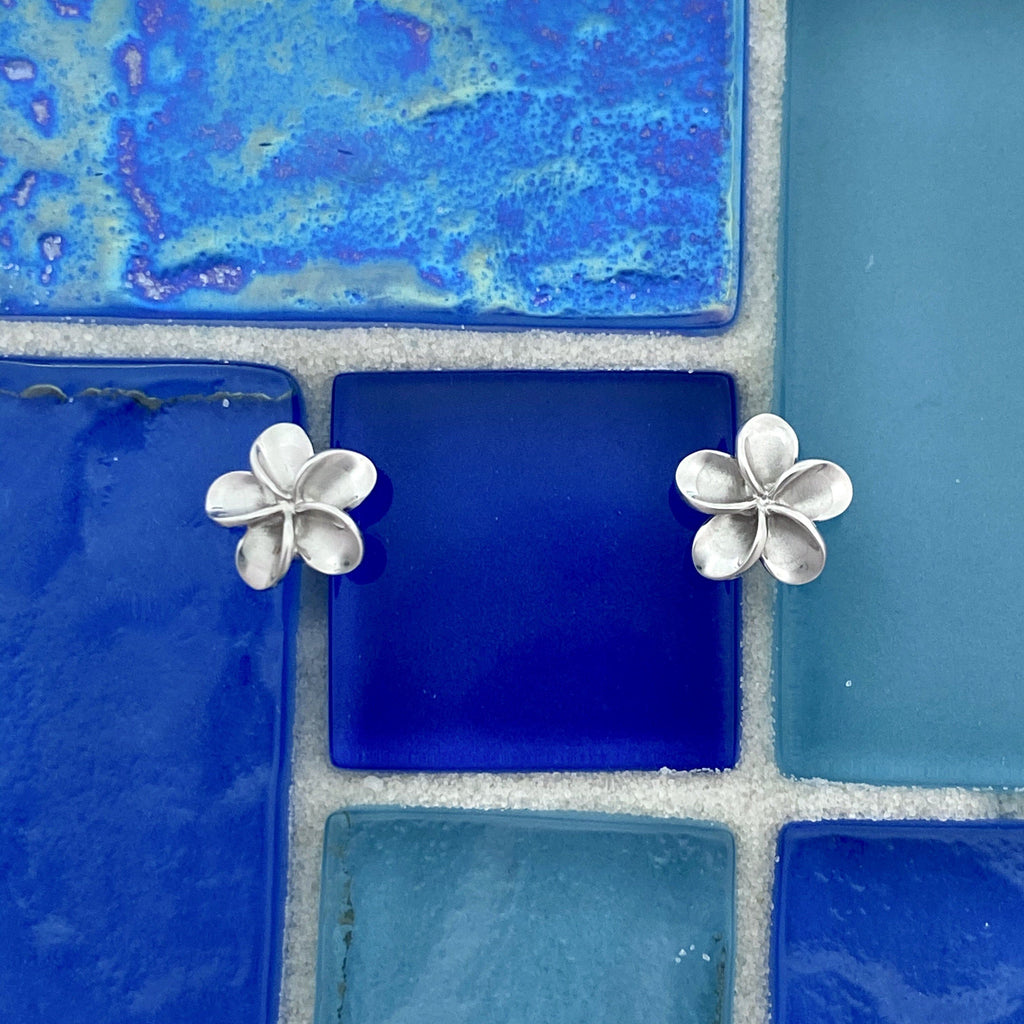 14k White Gold Plumeria Post Earrings - DePaulas