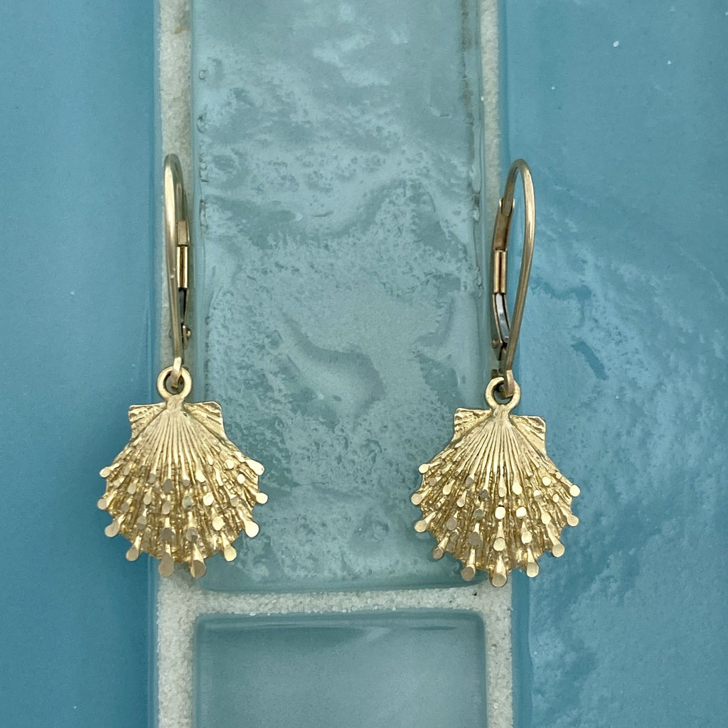 14k Yellow Gold Scallop Leverback Earrings - DePaulas
