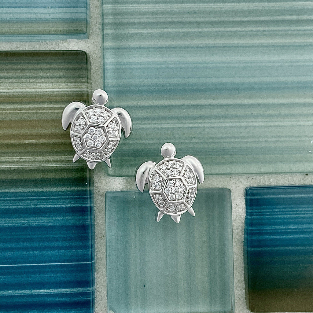 14k White Gold Diamond .16cttw Turtle Post Earrings - DePaulas