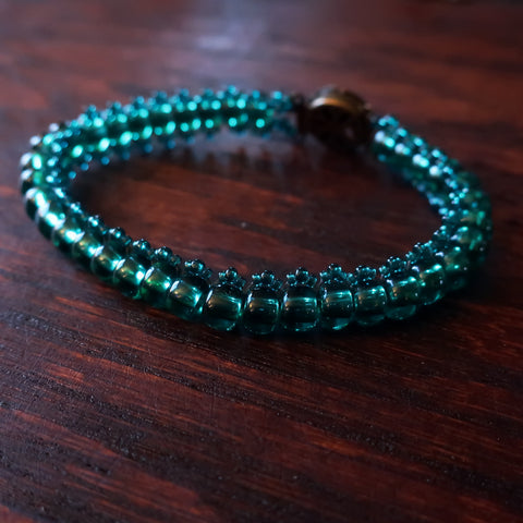Temple Tree Bohemian Glass Bead Caterpillar Weave Bracelet - Emerald Green