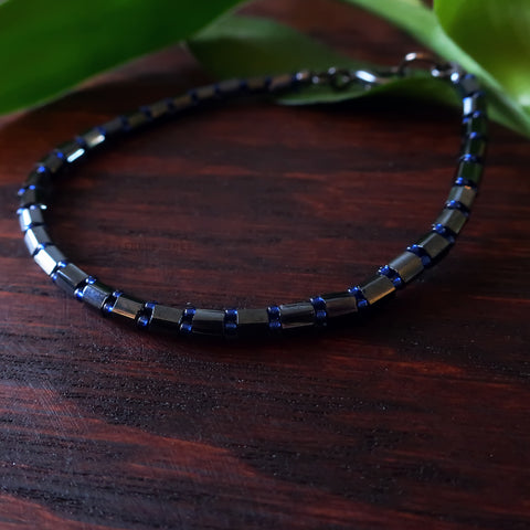 Temple Tree Bamboo Weave Beaded Hex-cut Bracelet - Grey and Sparkly Blue