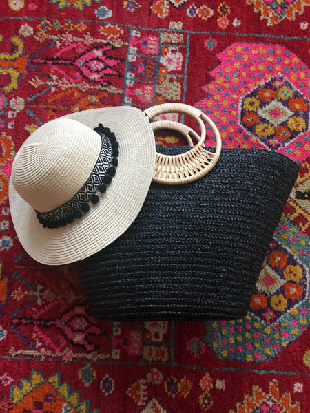 matching beach bag and hat