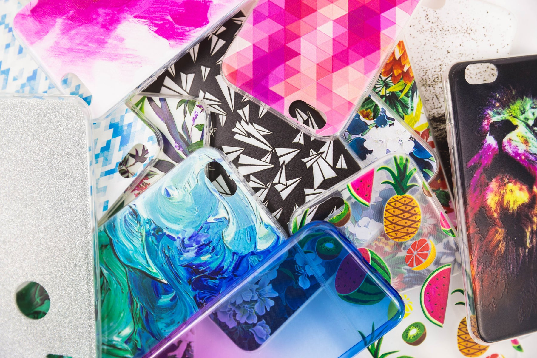 4 DIY Ways to Customize a Clear Phone Case