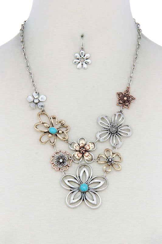 Metal Flower Necklace - LockaMe Designs