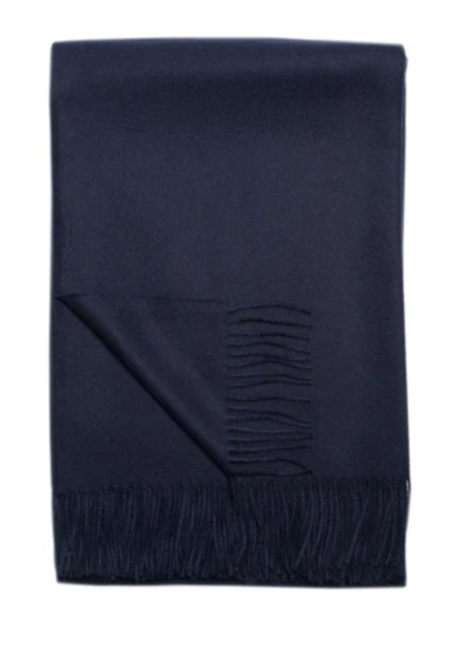 Baby alpaca throw in Black. Adds texture to any living space.