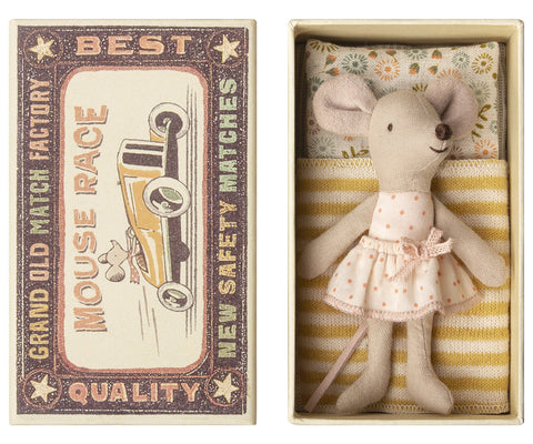 Little Sister Mouse in a Box - TREEHOUSE kid and craft