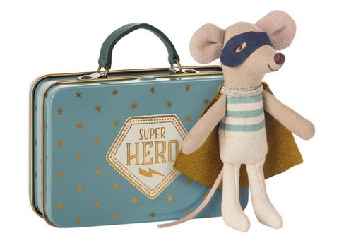 Superhero Mouse In Suitcase - TREEHOUSE kid and craft