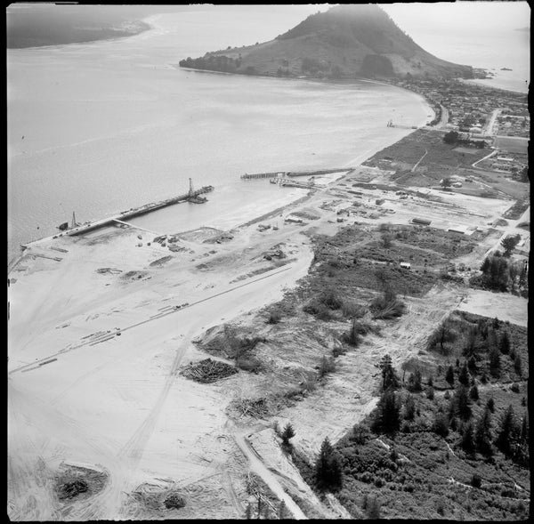 A LOOK BACK: MOUNT MAUNGANUI