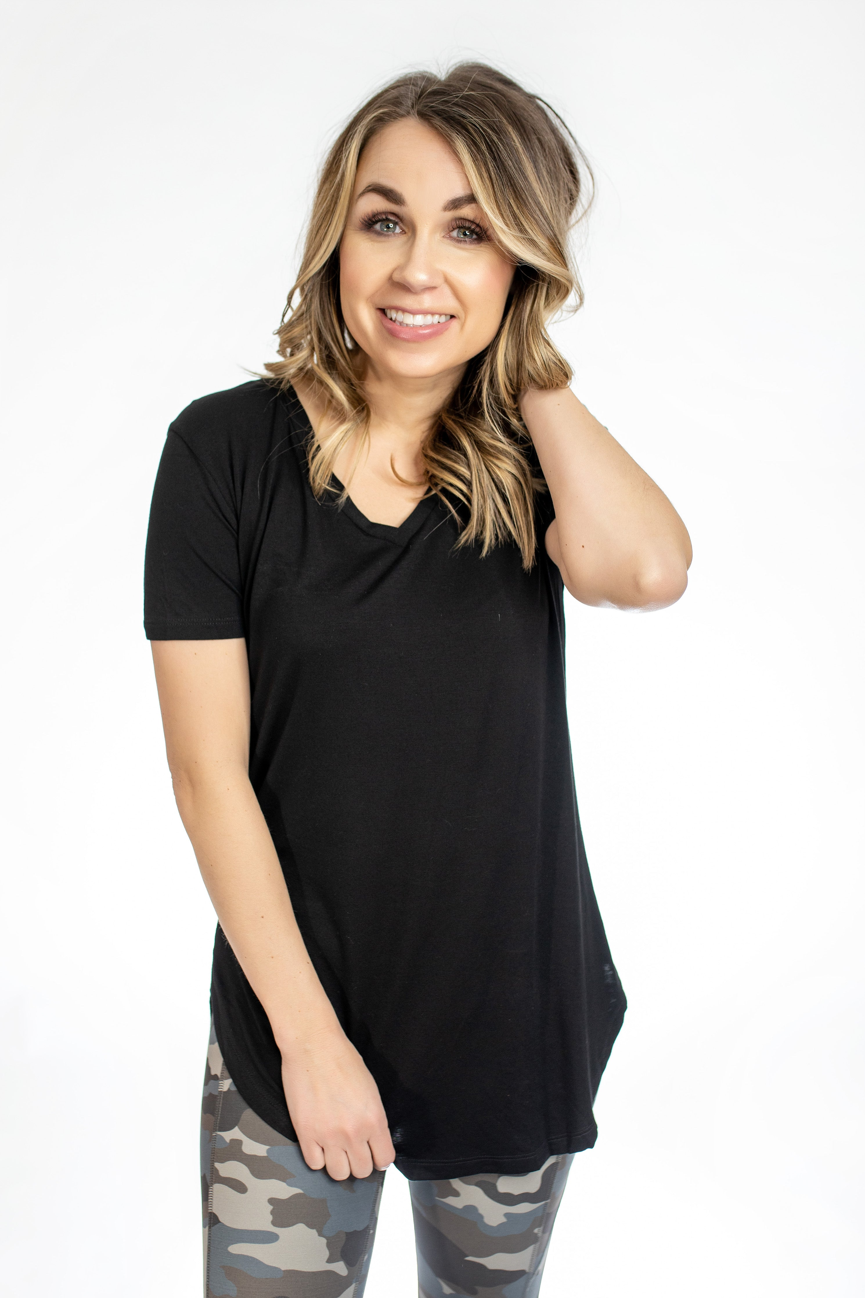 Gina Everyday Tee-Black