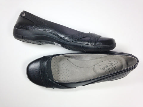 Lifestride flat shoes