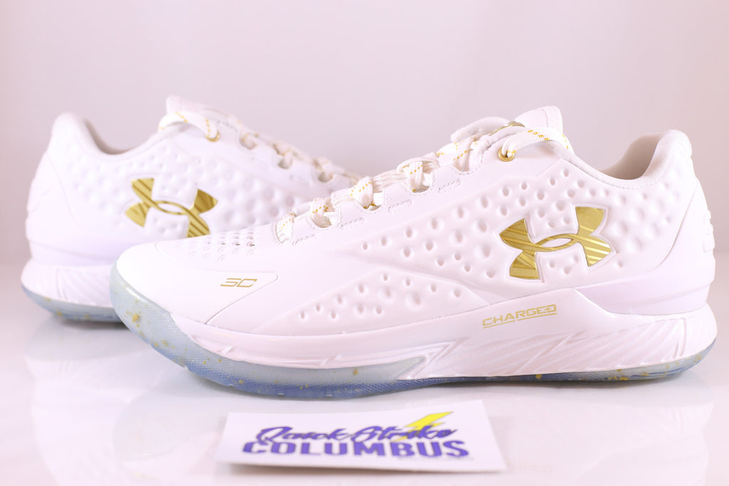 "Under Armour Curry 1 Low ""Friends and Family"""