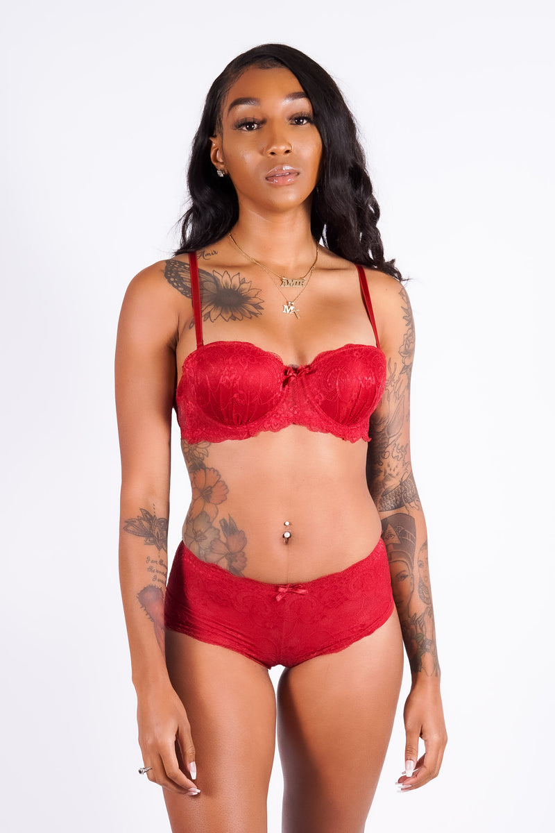 Felicia's lace bra set, crimson
