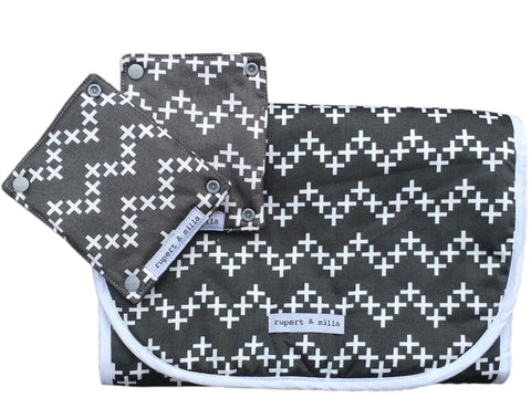 Diamonds and Pearls Pram Liner Set