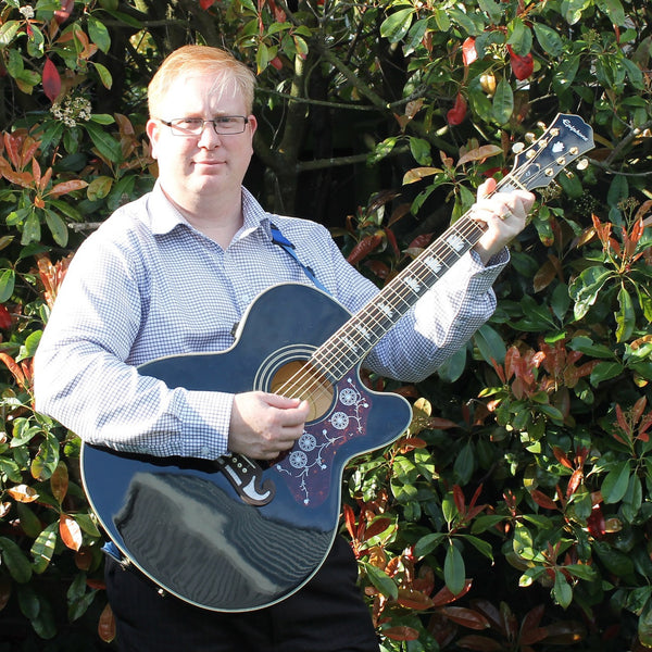 Eric The Entertainer - Singer Guitarist - DJ - Christchurch