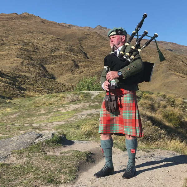 Graeme Glass – Bagpipe Player - Queenstown