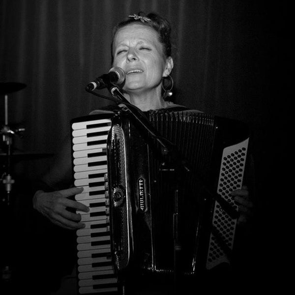 Lizzie Cook Band - Celtic Latin European Band - Christchurch