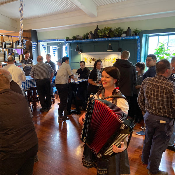 Tracey Collins - Solo Accordion Player - Auckland
