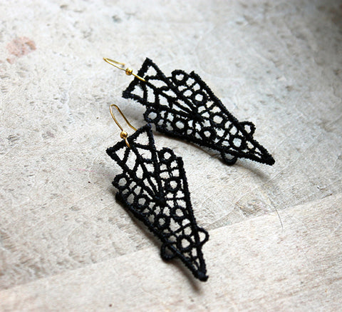 zahra  black lace earrings