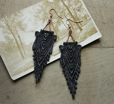 hippolyta gray lace earrings