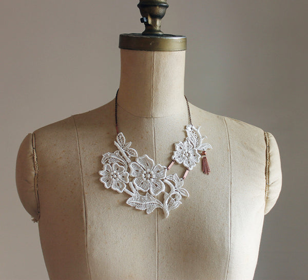 pippa lace tassel necklace