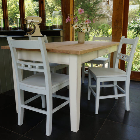 Fonthill Table With Ball Back Chairs