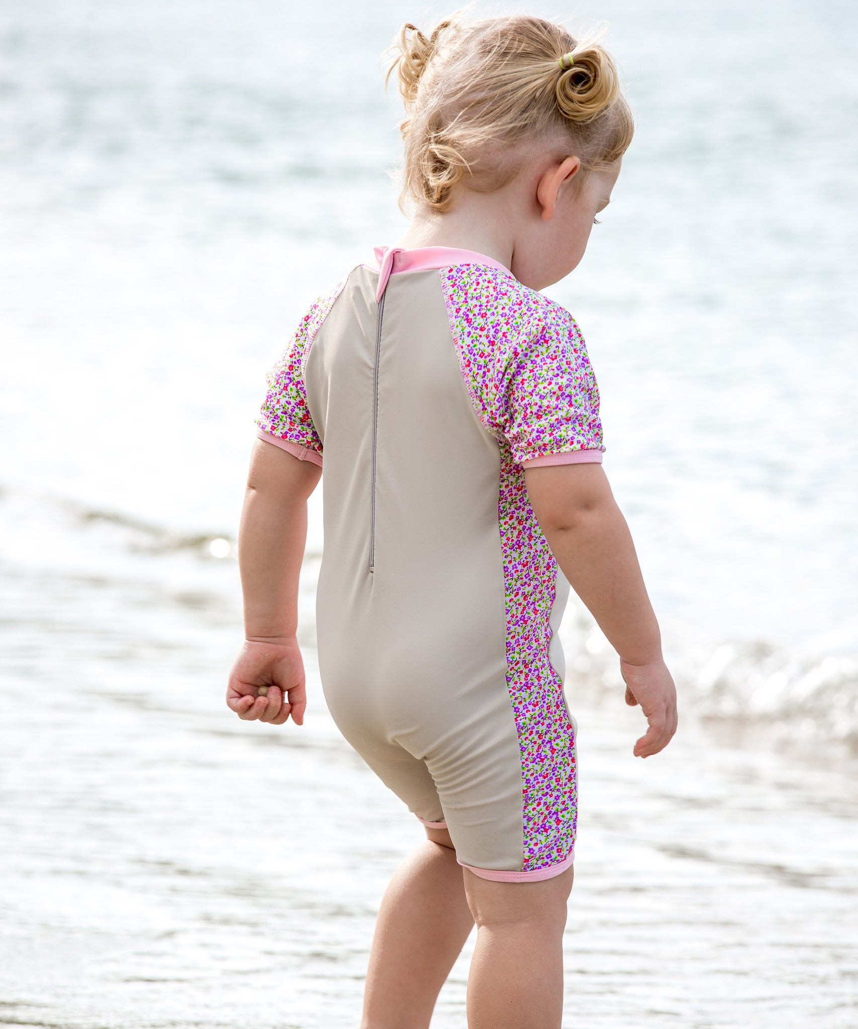 Kids Swimwear Girls Swimsuits Anti-UV Sun Safe Swimming Beach Costume Child All-in-One Sun Protection Sunsuit With Swimming Cap by Vine £ + £ delivery.