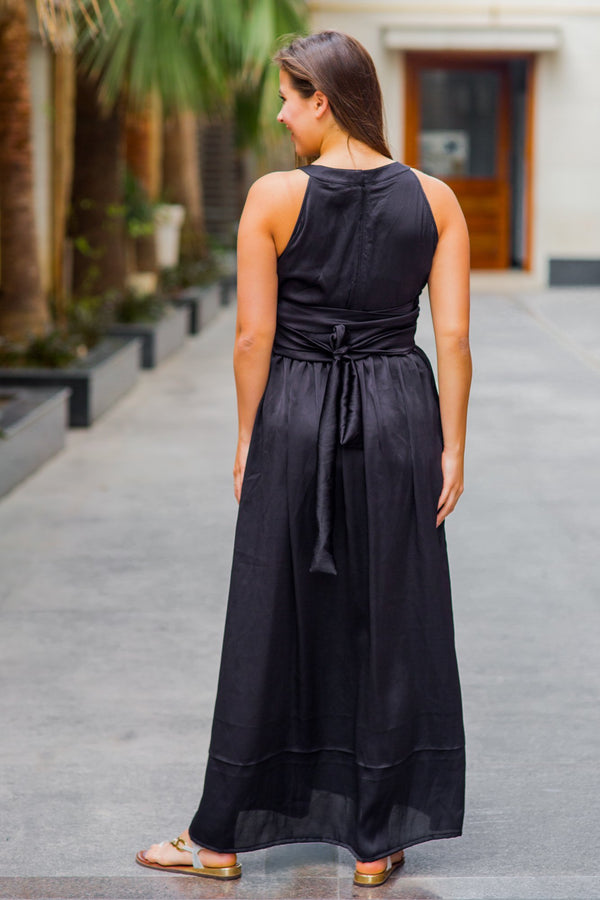 Luxe Noir Ruching Maternity Flow Dress