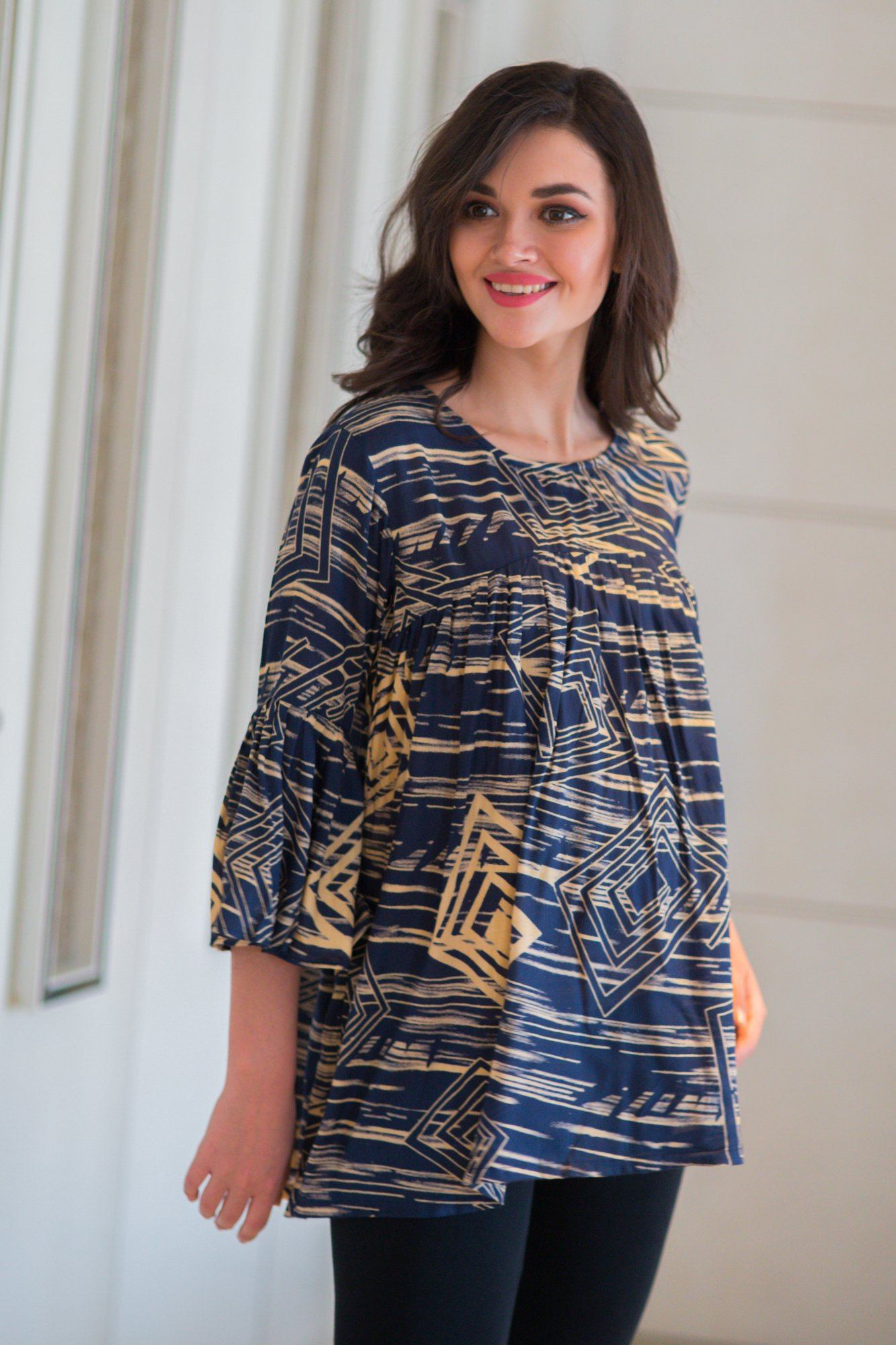 Abstract Blue Maze Maternity Top - MOMZJOY.COM