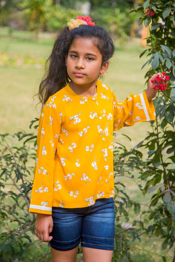 Sunny  Floral Front Button Top (1 yr to 8 years) - MOMZJOY.COM