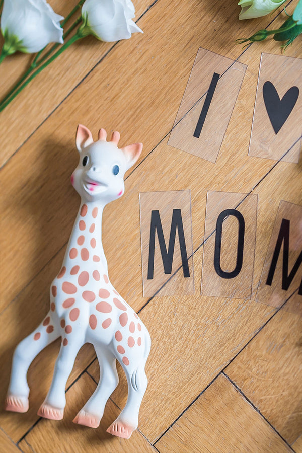 Sophie La Girafe Teether (100% Natural Rubber) - MOMZJOY.COM