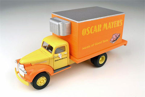 Classic Metal Works - Mini Metals HO scale '41/46 Chevrolet Delivery Truck (Oscar Mayer Meats) #CMW30350