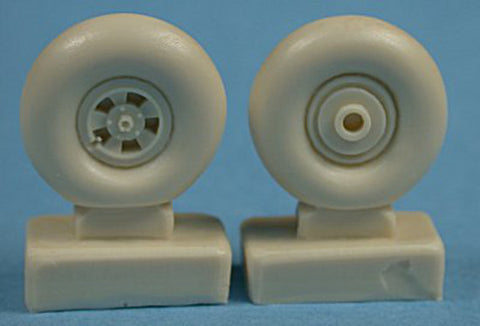 Ultracast 1/48  Hawker Typhoon resin wheels for Hasegawa UC48073