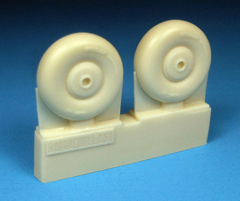 1/72 BarracudaCast BR72247 Beaufighter Late Wheels - No Tread for Airfix