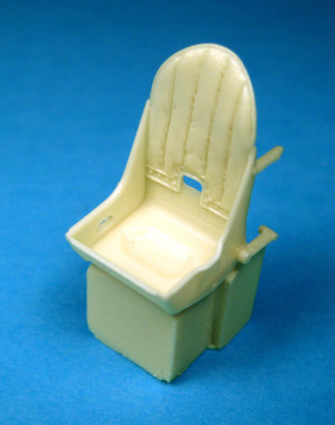 1/32 BarracudaCast Spitfire Seat with Leather Backpad BR32001