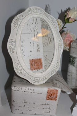 Medium Oval White Shabby Chic Picture Frame