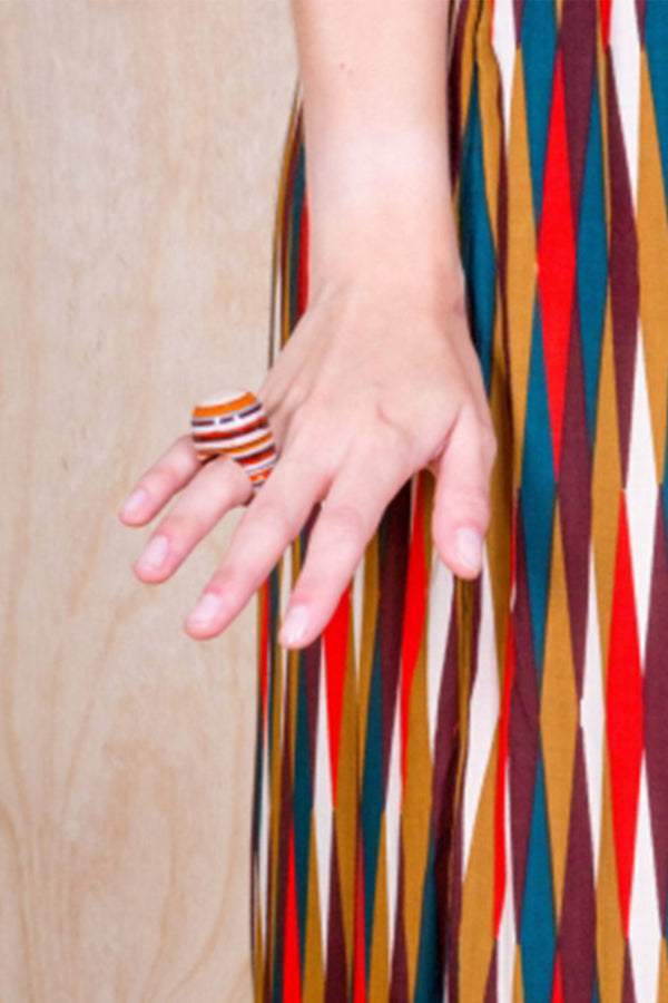 LICORICE ROUND RING