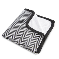 Oilo Black and White Stroller Blanket