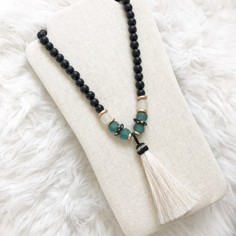 The Cotton Necklace