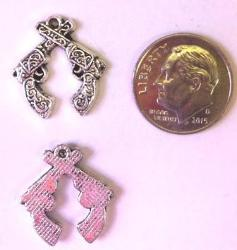 Crossing Guns Charms (4 Pieces) - www.kraftsandbeads.com