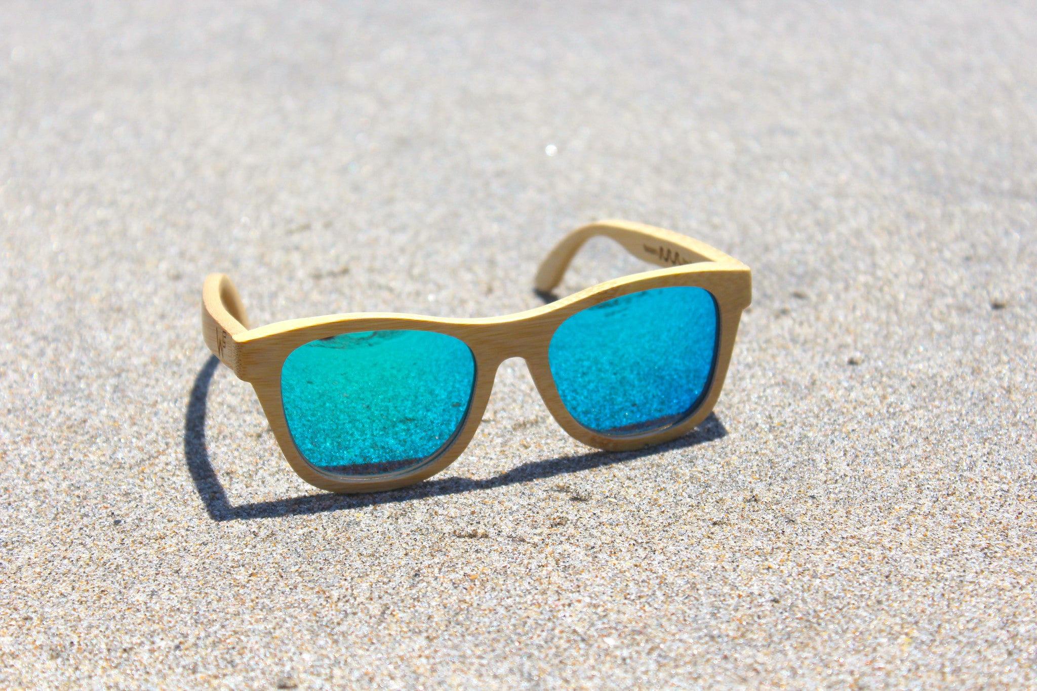 eco-friendly-bamboo-sunglasses-woody-frames
