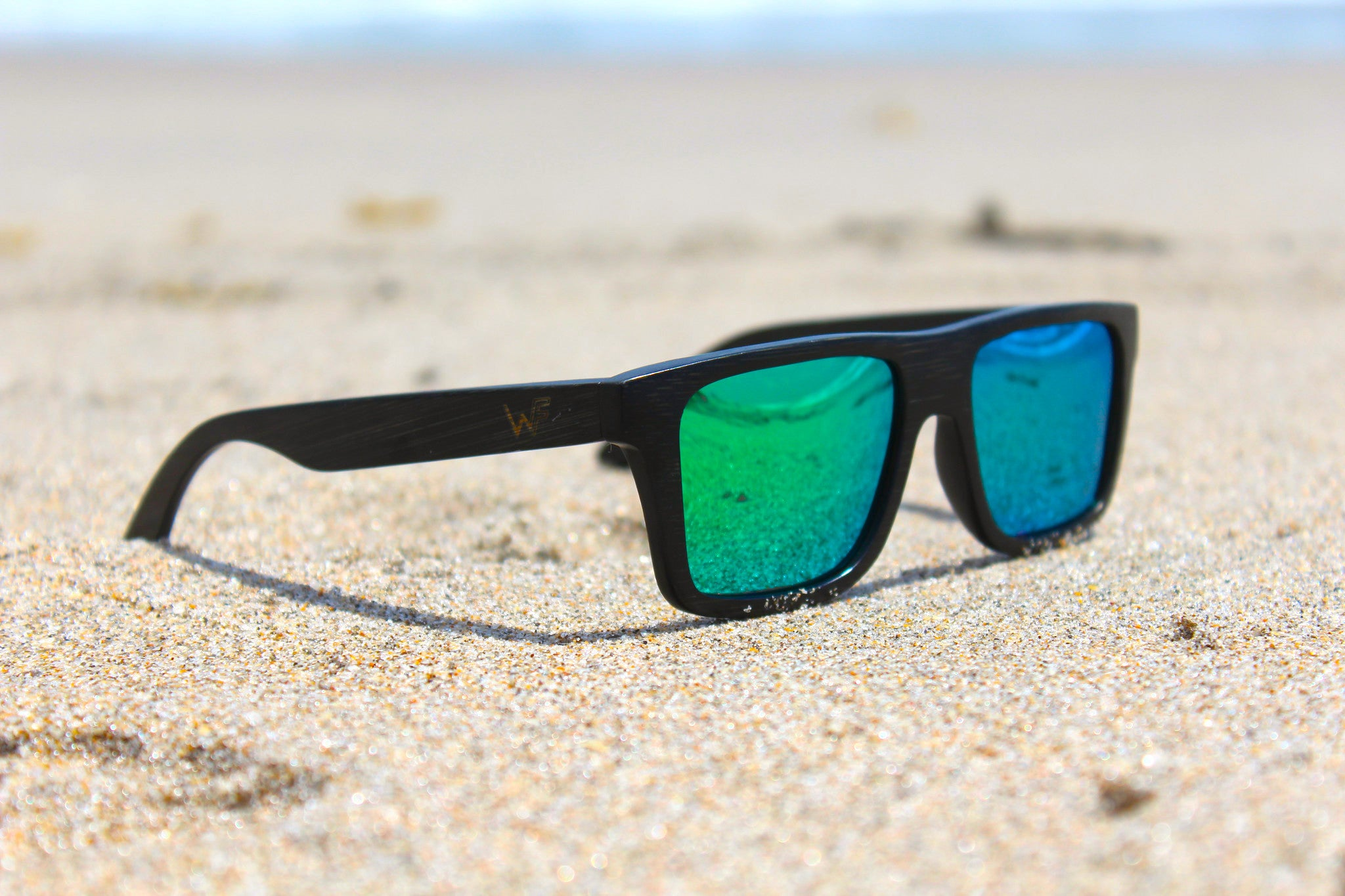environmentally-friendly-bamboo-sunglasses-woody-frames