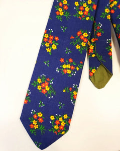 Blue Vintage Floral Necktie - Sally Forth Supply Co.
