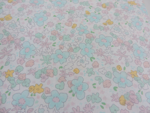 White Green Cotton Fabric Panel Make A Cushion  Craft Meadow Floral Grey