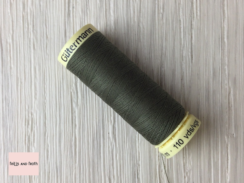 Gutermann Green Sew-all Thread 100% Polyester sewing thread 100m Reel Green sewing thread Gutermann colour number 824 You know where you are with Gutermann  Gutermann Green 824 Sew-all 100% polyester sewing thread. As the name suggests it is suitable for hand and machine sewing with all materials. this is a perfect all round sewing thread. Recommended needle size: Universal Needle 70 - 90.
