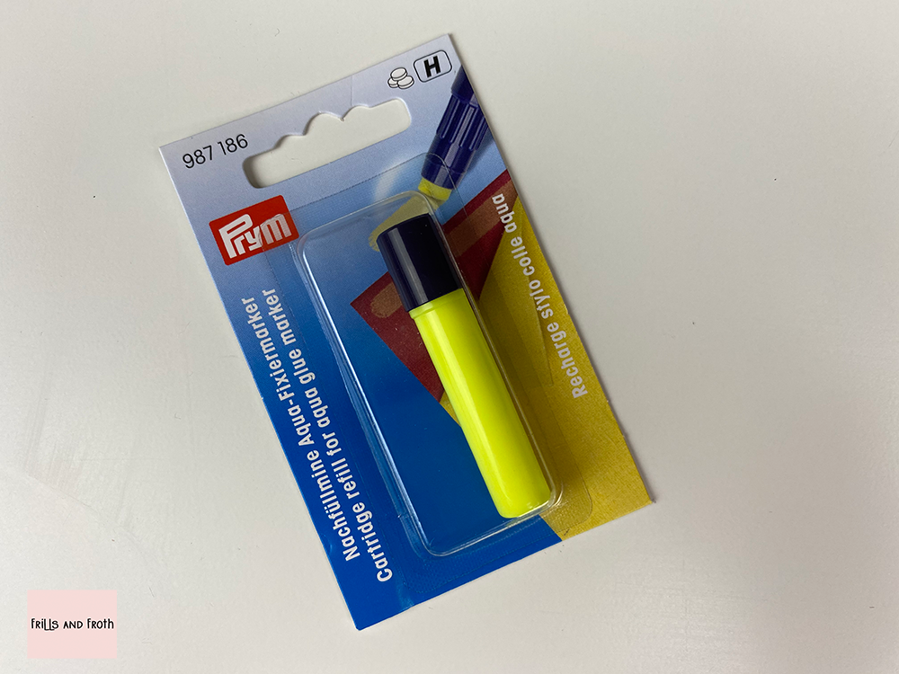 Aqua Glue Refill for Prym Refillable  Marker. Prym 987186  Replacement glue cartridge for Prym aqua glue marker. Convenient alternative to basting stitch when used for EPP. Fully water soluble, quick clean and easy to use. This aqua glue refill is a direct and easy replacement for your Prym aqua glue pen.  Perfect addition to your sewing, EPP and quilting essentials.