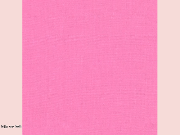Robert Kaufman 'Kona' fabric in 'Candy Pink' quilting fabric