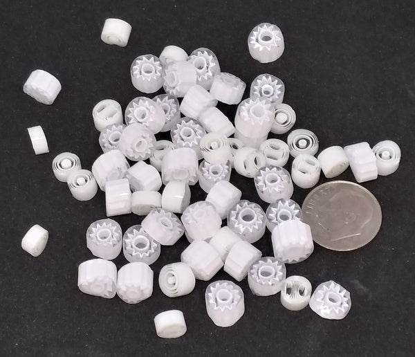 M01 - White Millefiori (4-8mm)